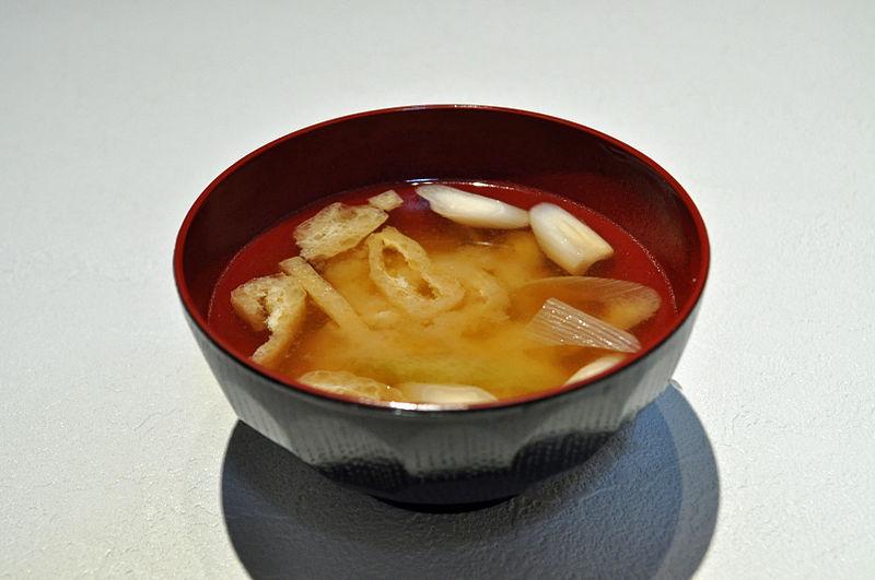 Sopa diurética de apio y cebolla :: Sopa diurética para